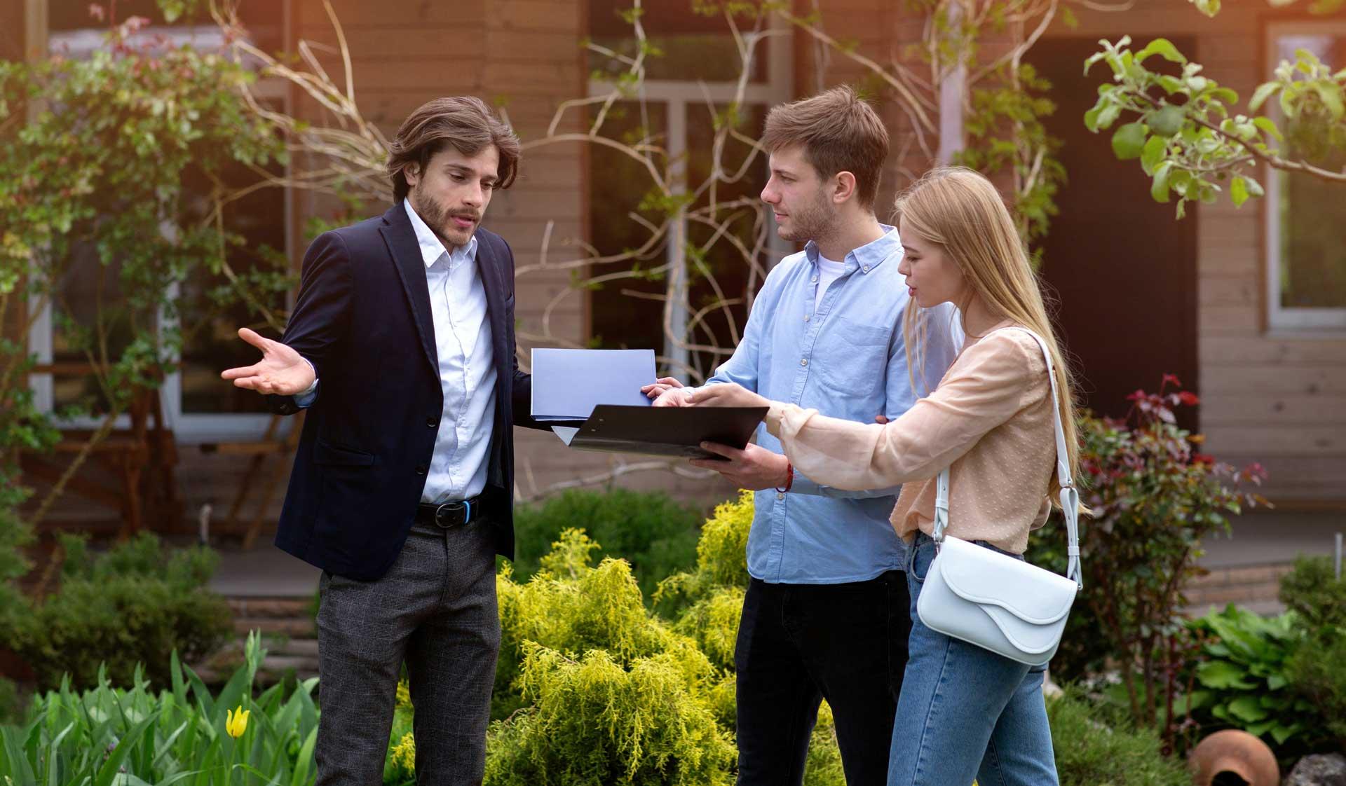 Verärgerte Kunden Hauskauf Immobilienrecht, Baumängel, Makler,